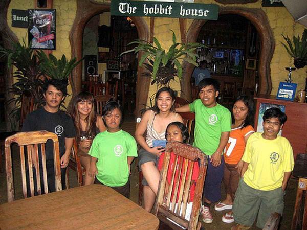 Restoran Teraneh di Dunia (5) : Hobbit House Restaurant, Manila